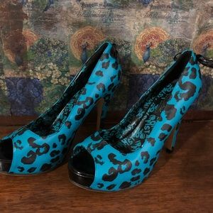 Iron fist Turquoise Pumps